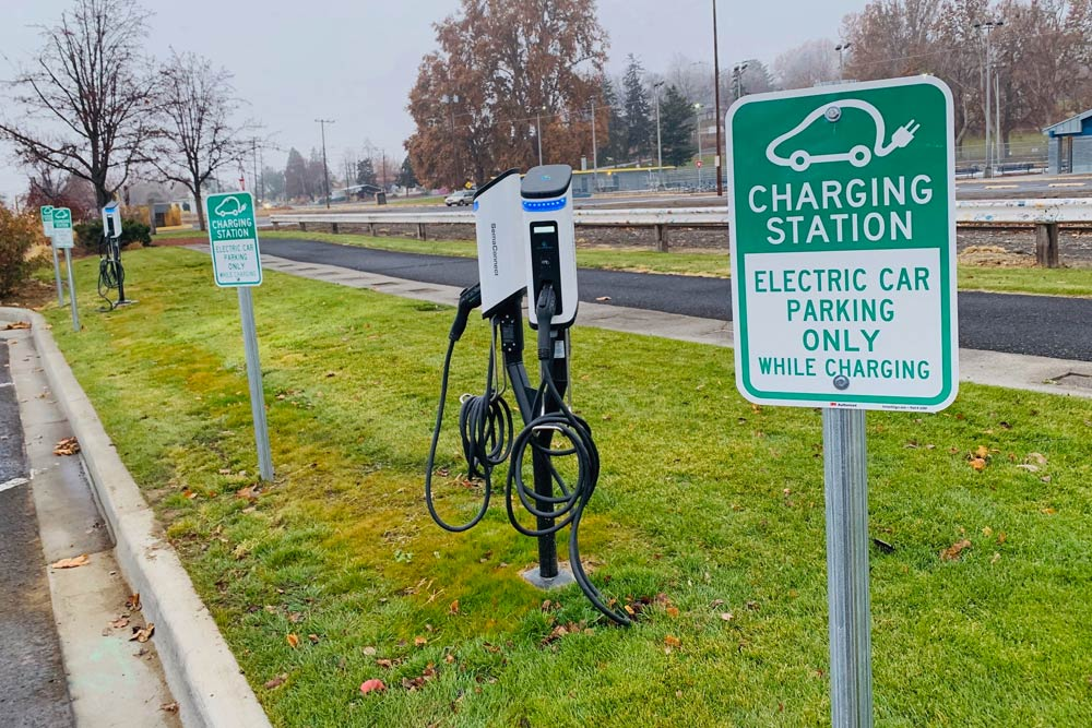 City of Sunnyside Supports Local Businesses with New Electric Vehicle Charging Stations